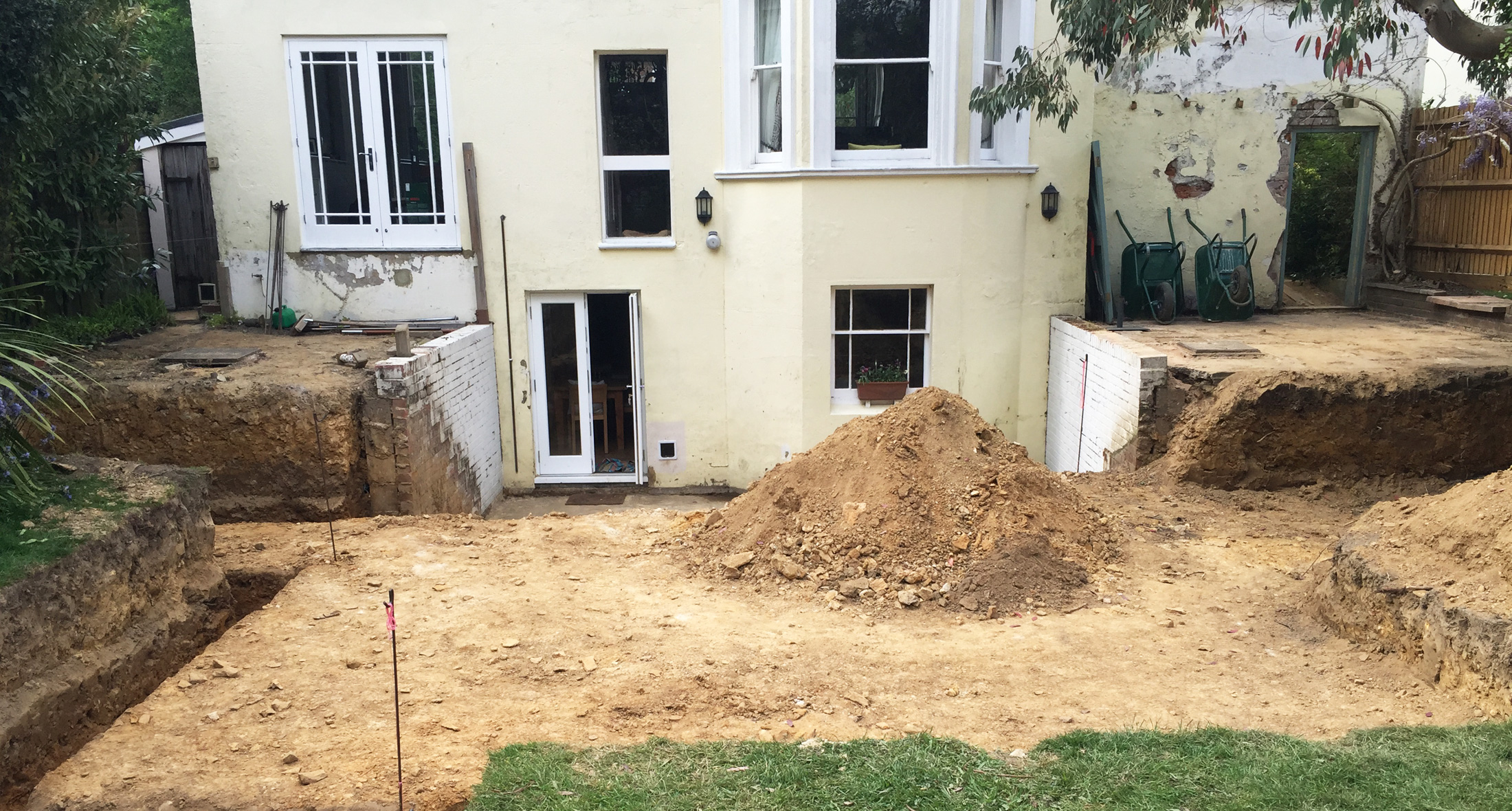 Garden in Tunbridge Wells during site levels preparation