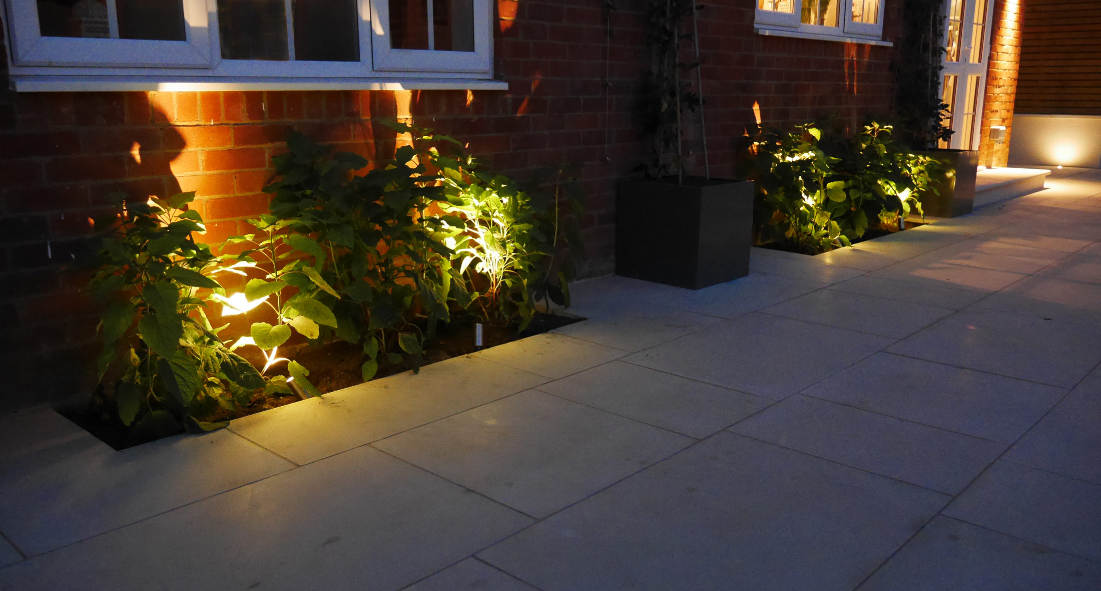 Garden lighting garden lights perth fremantle night for Garden lighting designs
